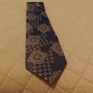 Halston III tie